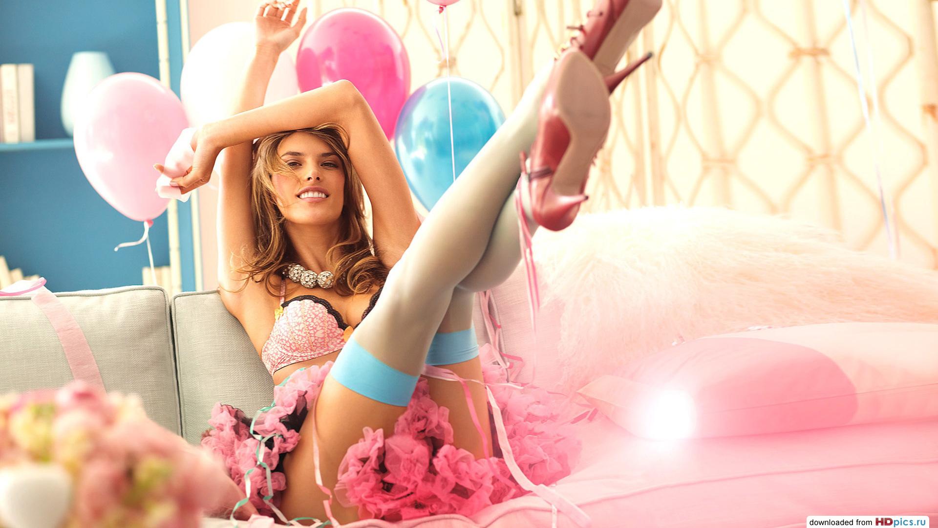 Фото девушки и шарики 21 фотография